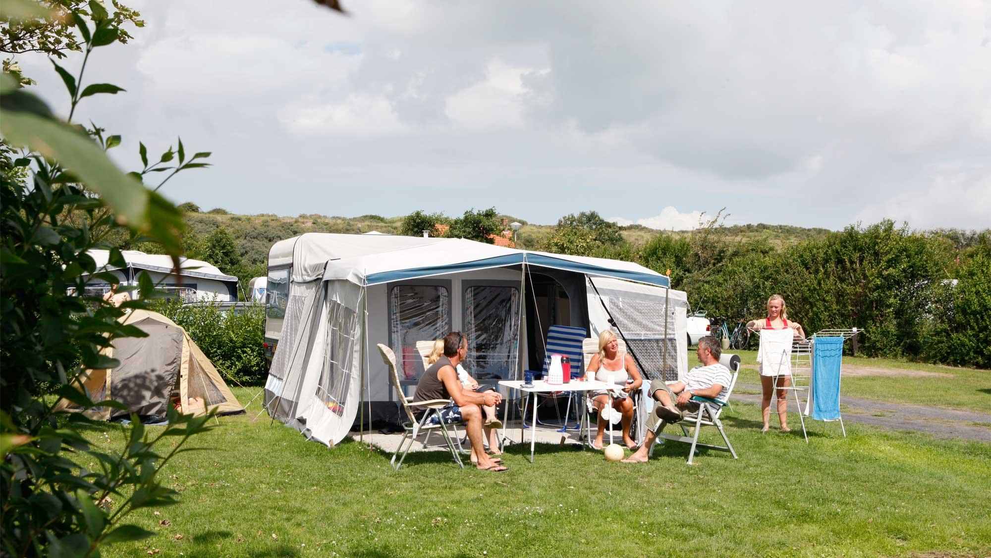 Comfortplaats vanaf 105m2 kamperen Molecaten Park Hoogduin 04