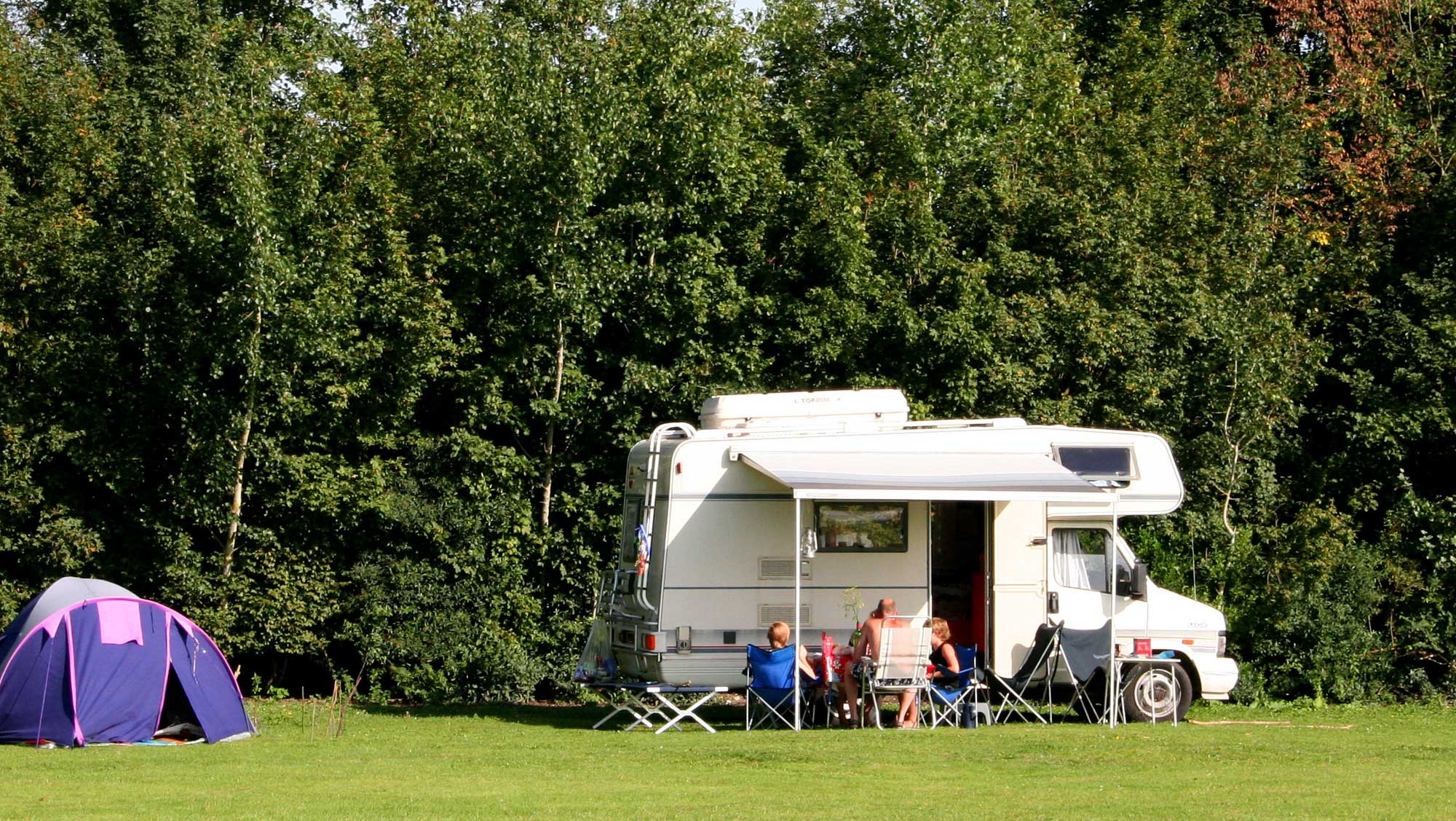 Campercomfortplaats Molecaten Park De Leemkule 01