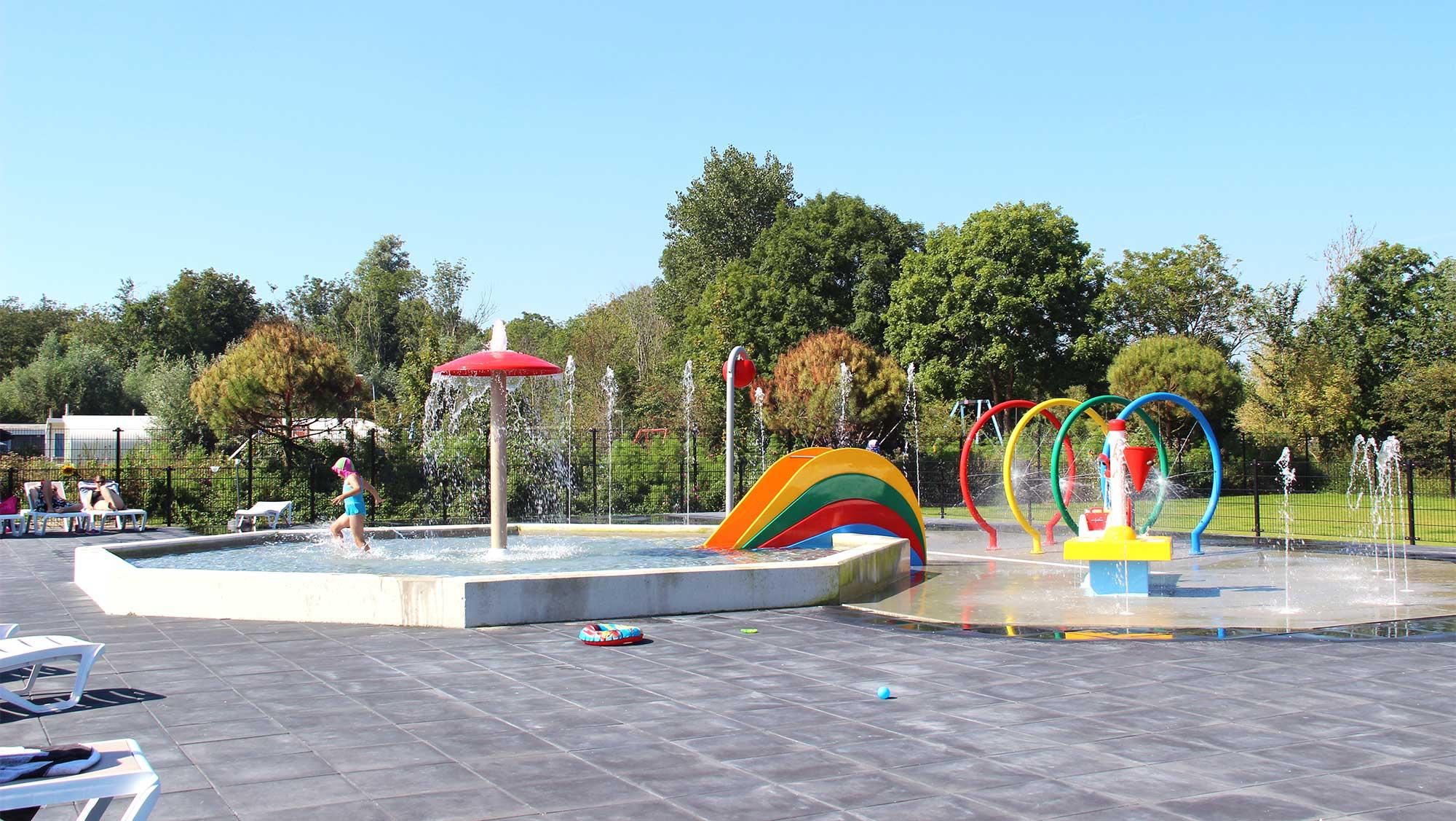 Molecaten Park Rondeweibos 06 buitenzwembad