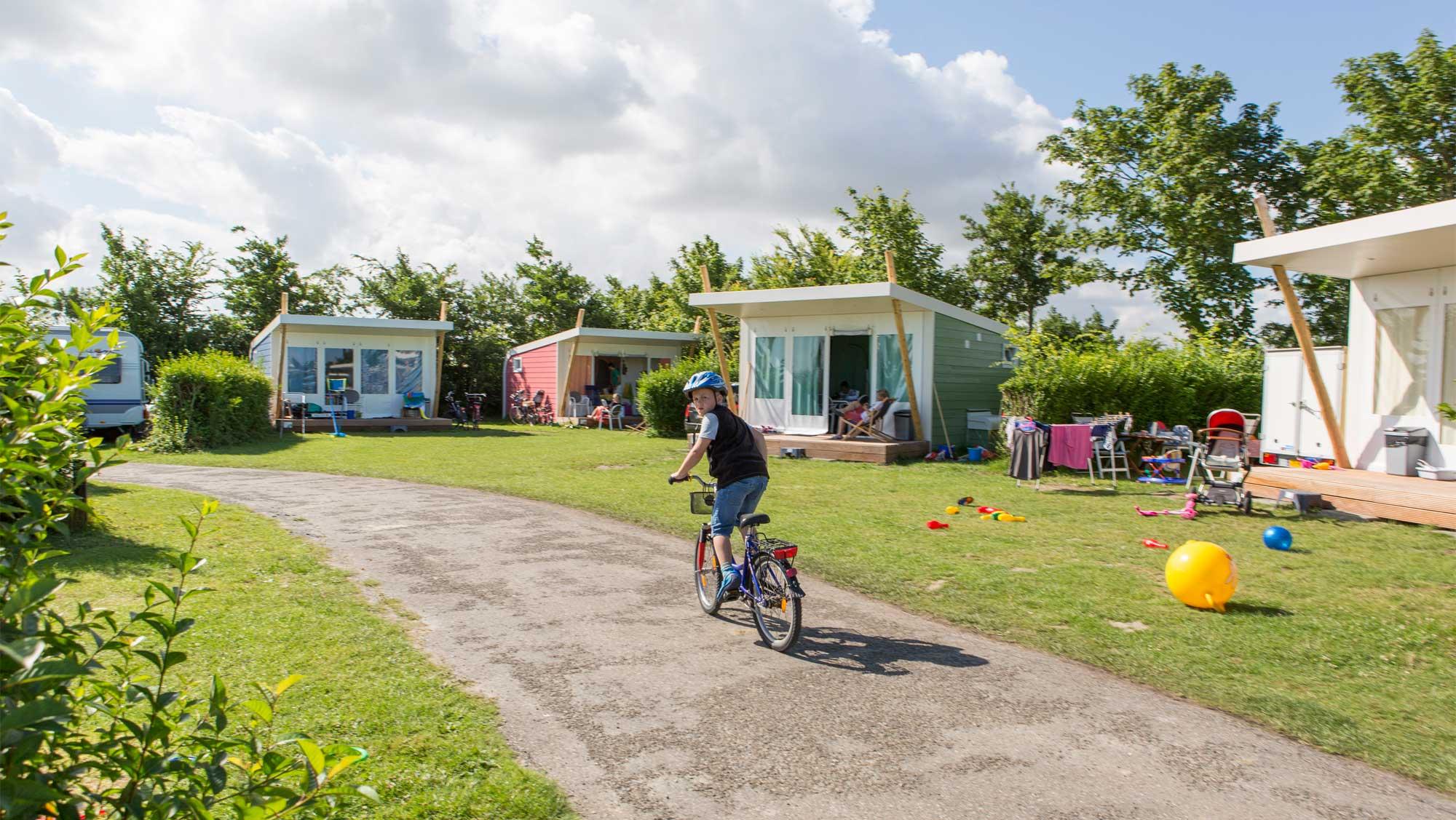 5pers kampeer cabin Vlinder Molecaten Park Hoogduin 01
