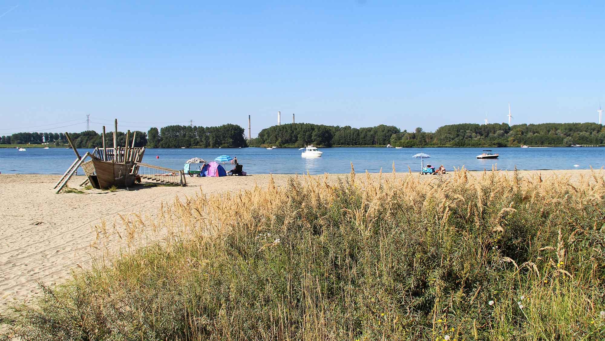 Molecaten Park Kruininger Gors 08 strand Brielse meer